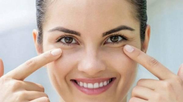 توصیه های آرایشی برای چشم های پف دار